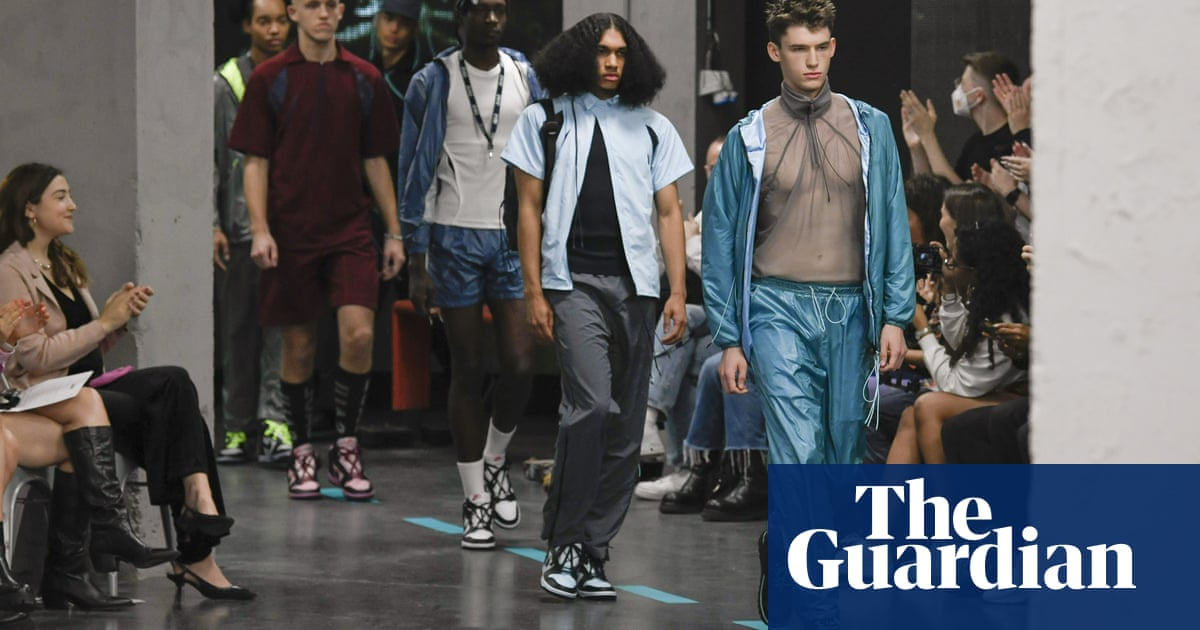 'Naomi for president!': London fashion week comes back to life