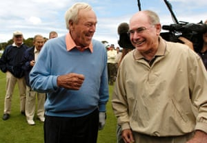 24 November 2004. Palmer meets Australian prime minister John Howard on the first tee before a nine-hole exhibition match between Palmer and Australian Open former champions Bruce Devlin and Peter Thompson at the Australian Golf Club.