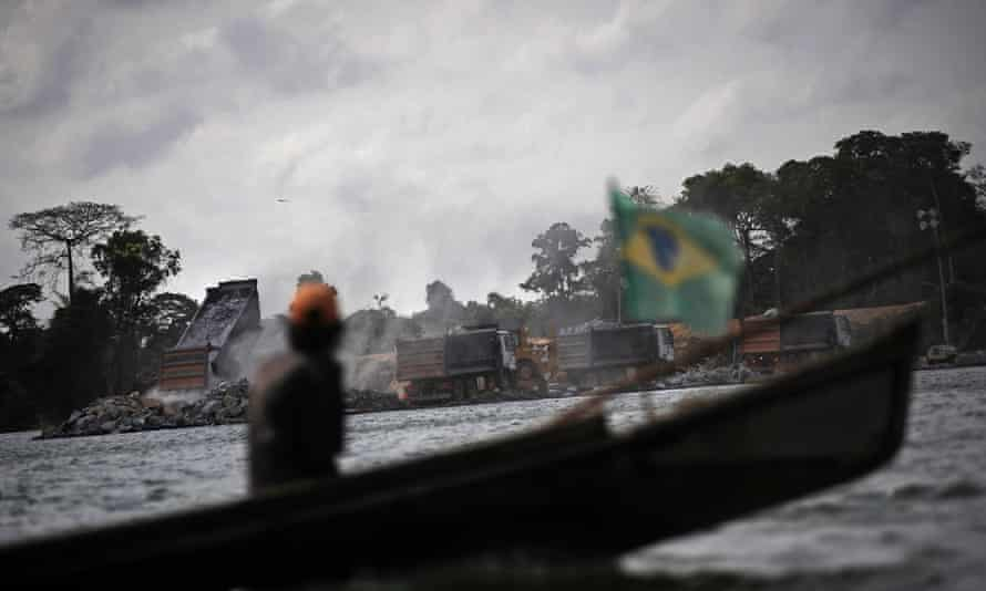 The incident occurred when pirates assaulted a boat taking passengers to an island on the Amazon river delta in the state of Pará.