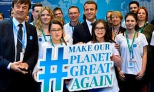 Emmanuel Macron, centre, at the Bonn global climate change talks
