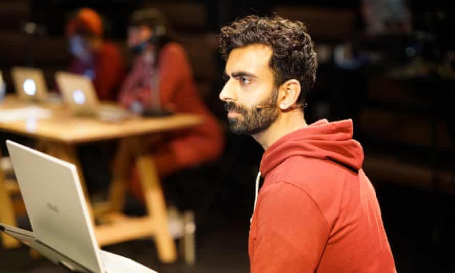 Waleed Akhtar in AI.