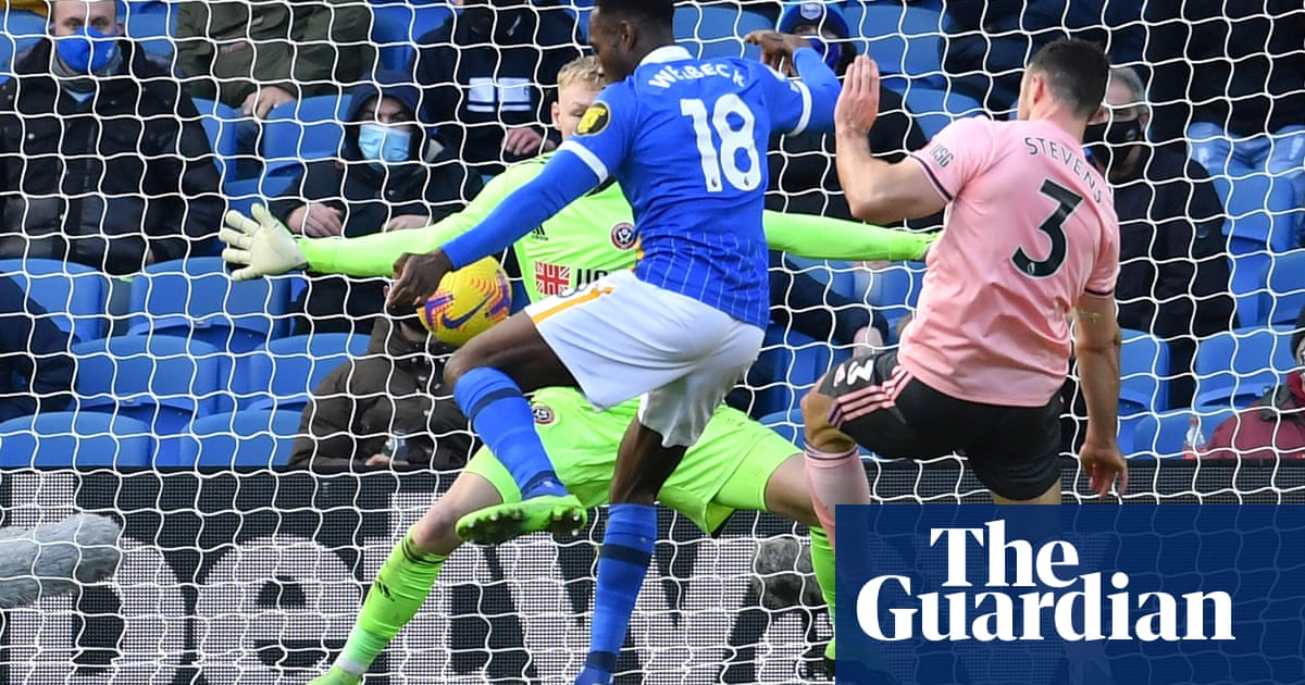 Brightons Danny Welbeck denies 10-man Sheffield United precious win