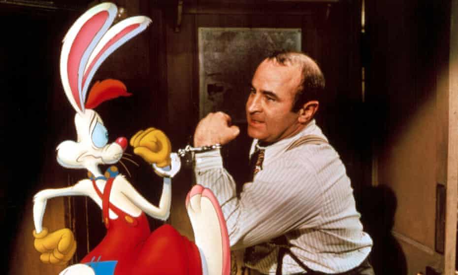 Roger Rabbit and Bob Hoskins as Eddie Vallant in Who Framed Roger Rabbit?