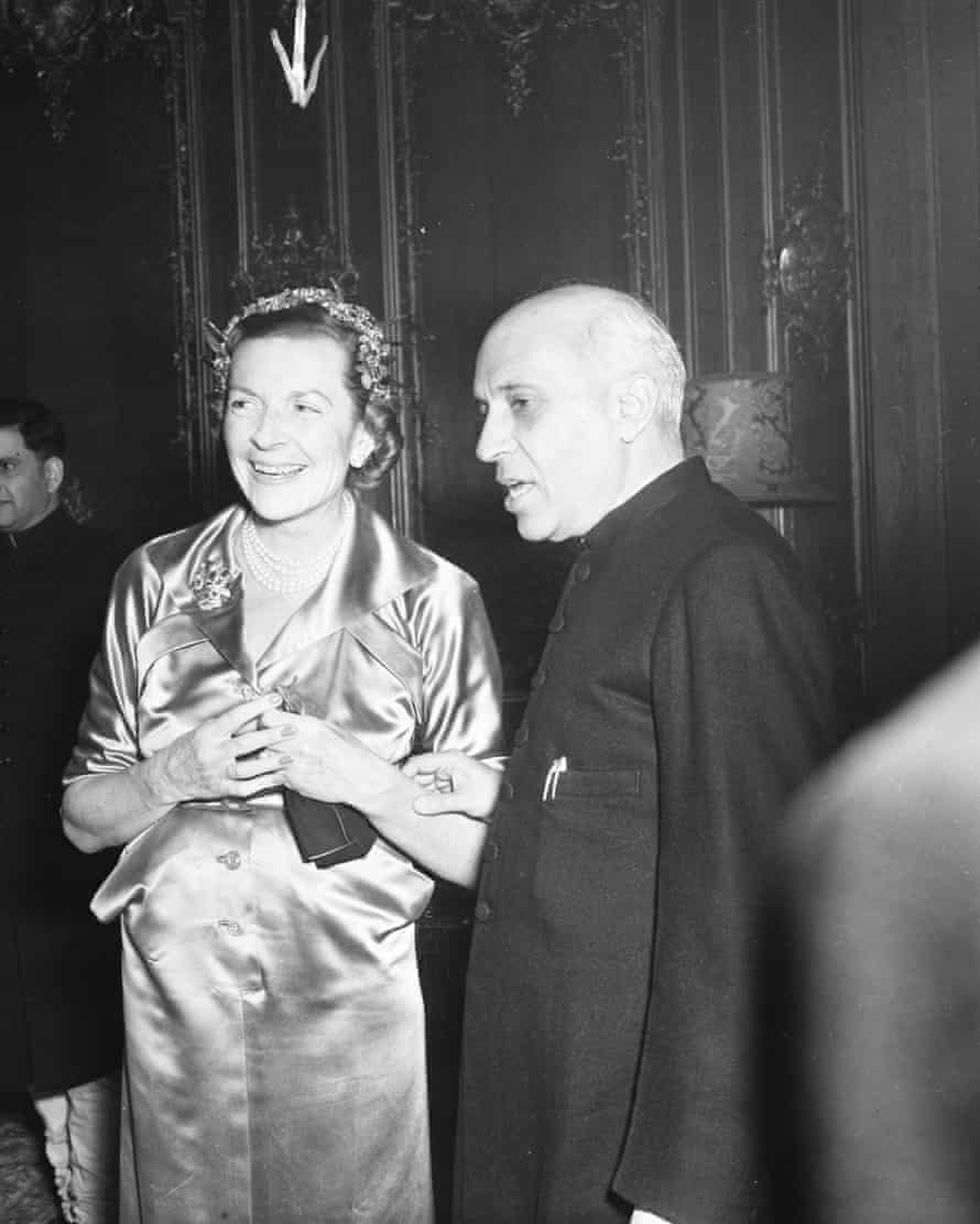 Lady Mountbatten and Nehru, founding members of the India Club