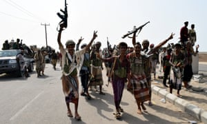 Yemeni government forces take part in operations against Houthi positions in Hodeidah.