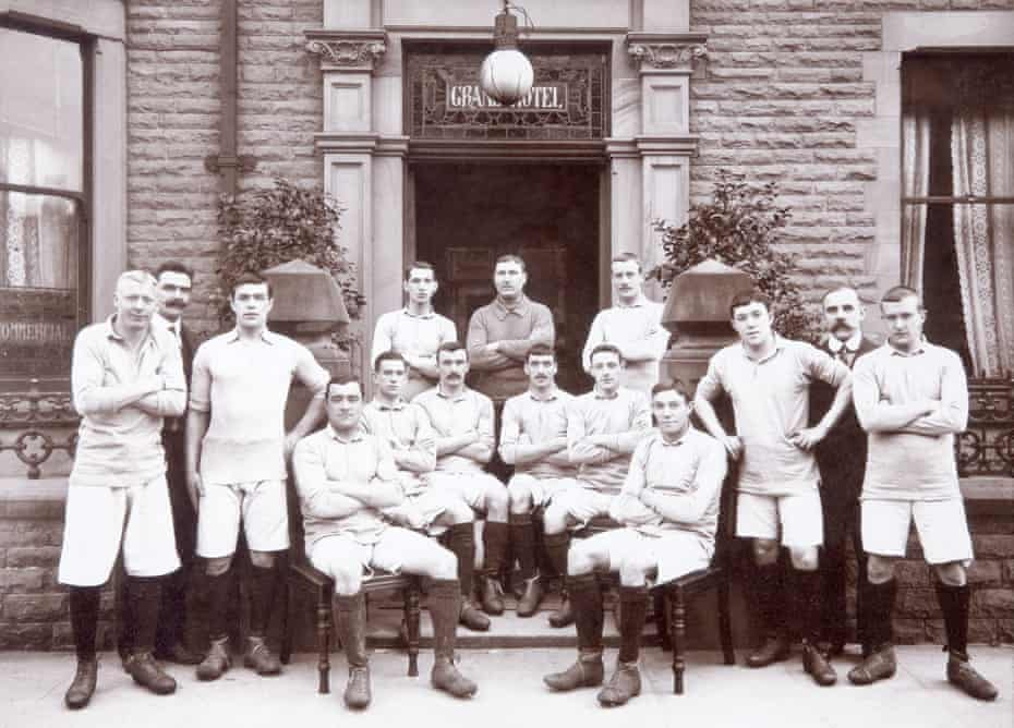 Manchester City in full kit outside the Grand Hotel, circa April 1904. Billy Meredith is seated third right.