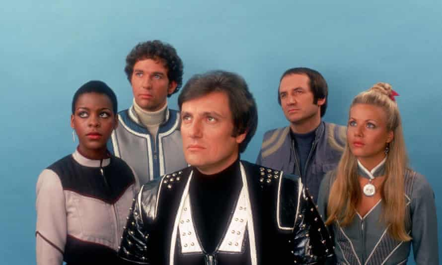 Darrow, centre, with the cast of Blake's 7 in its final two series.
