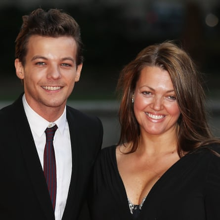 Louis Tomlinson with his mother, Johannah, in 2015