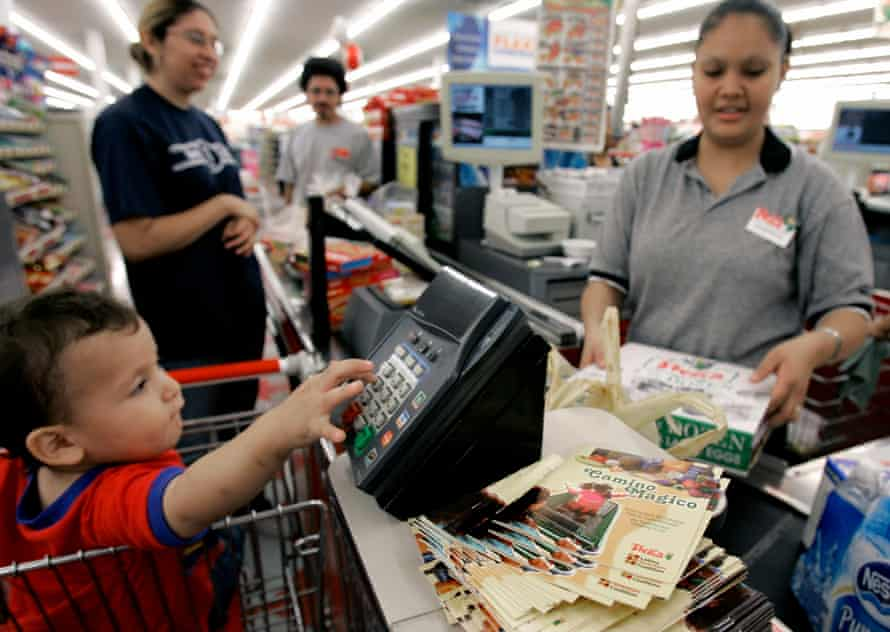 The pamphlet is the centerpiece of a nationwide campaign to improve eating habits and reduce obesity and diabetes among Latinos. (AP Photo/Pat Sullivan)