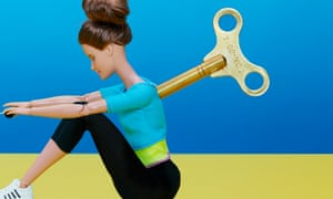 Illustration of a woman rowing with a wind-up key in her back
