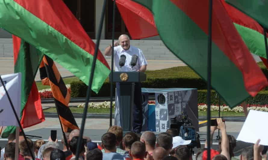 Supporters of Alexander Lukashenko attend his rally