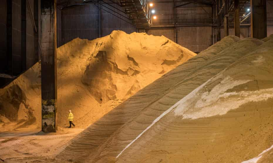 Raw sugar storage shed at Tate & Lyle sugar factory, Silvertown, East London.