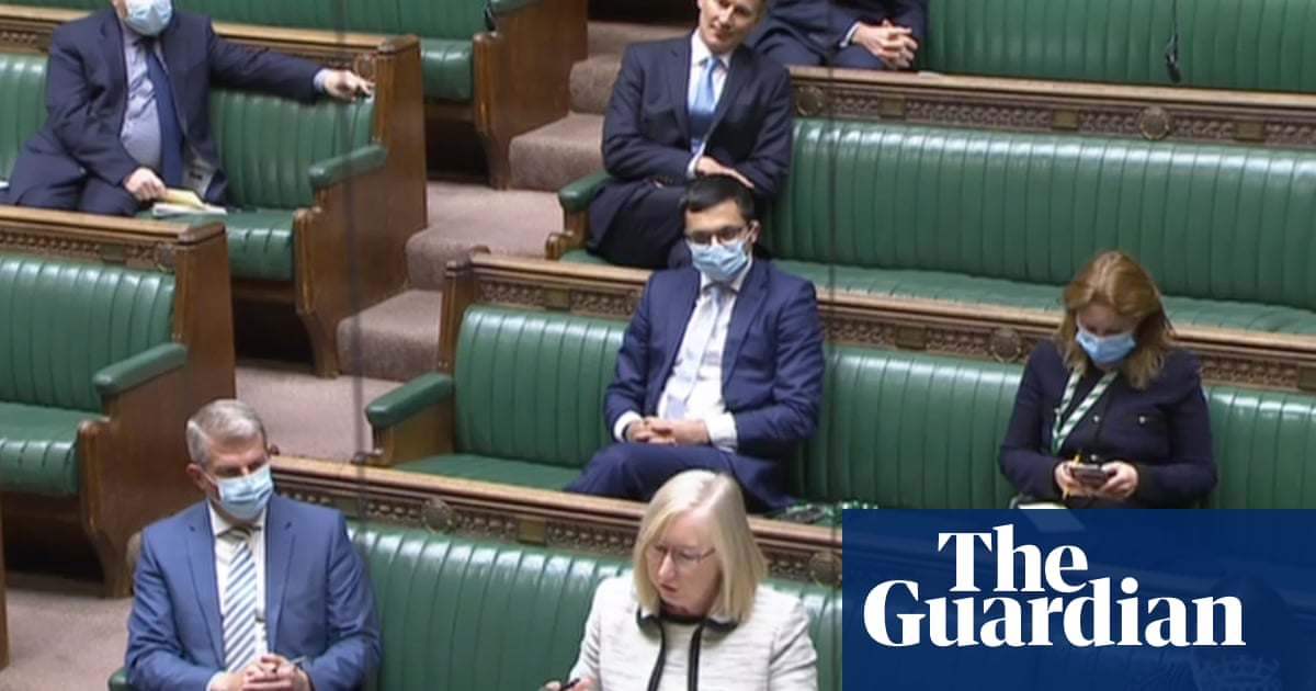 Tory minister says face masks should not become a 'sign of virtue'