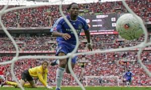 2007: Edwin van der Sar and Didier Drogba