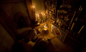 Christians pray at Christ's tomb as experts begin renovation in Jerusalem's Church of the Holy Sepulchre