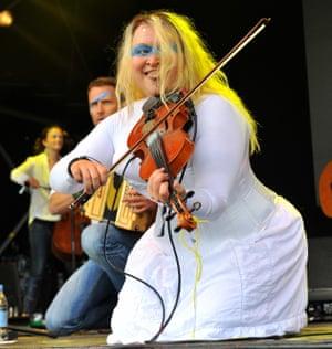 Eliza Carthy and the Wayward Band.