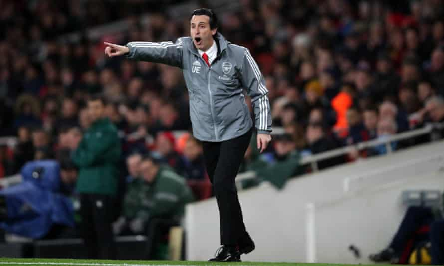 Unai Emery tries to inspire his side but it now seems a matter of time before his Arsenal reign comes to an end.