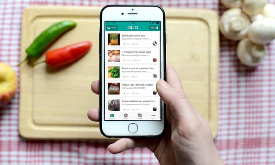 smartphone over chopping board