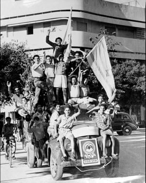 Celebrating the creation of Israel in Tel Aviv on 14 May 1948