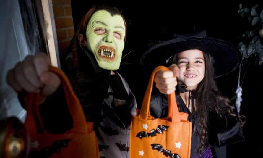 Children in Halloween constumes