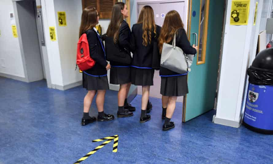 Pupils return to Holyrood secondary school in Glasgow