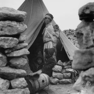 Algerian refugee mother in Tunisia, 1958