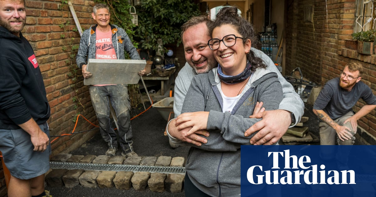 'We had little choice': volunteers clear up after German floods