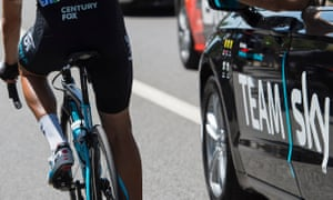 The former Team Sky doctor, Richard Freeman, has been accused of continuing to give some riders injections after World Cycling's ban on needles.
