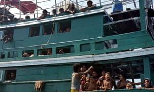 rohingya and bangladeshi refugees