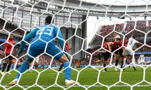 Jose Gimenez scores for Uruguay
