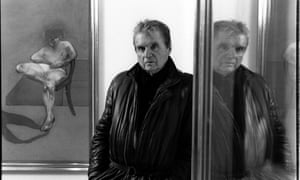 Francis Bacon poses during portrait session in Paris's Galerie Maeght Lelong in January 1984.