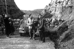 Hemingway at the Belchite sector, during the Spanish civil war, c1937