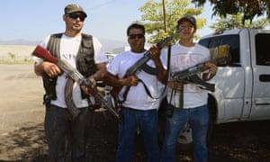 mexico vigilante group drugs