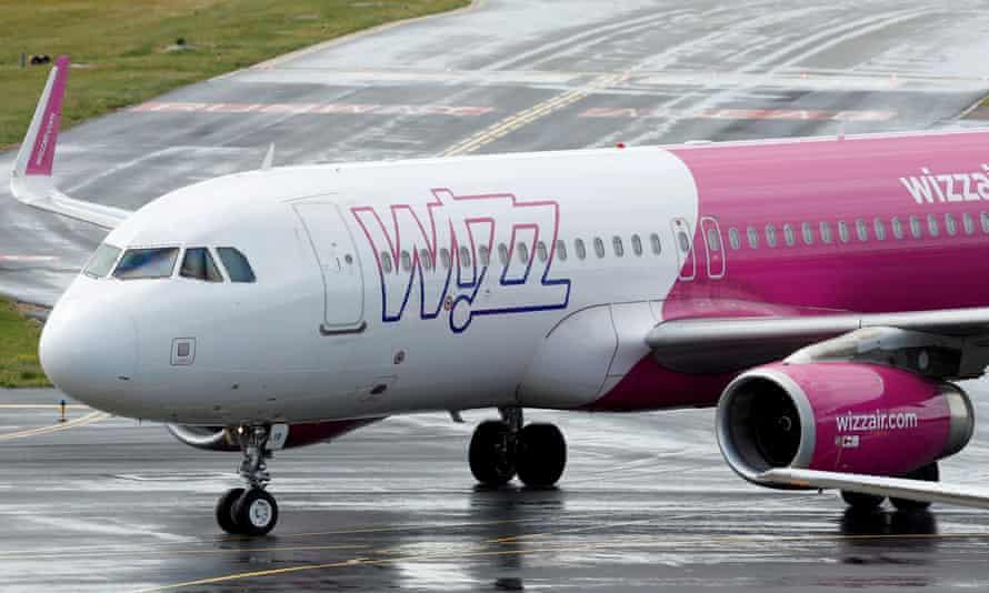 A Wizz Air plane at Luton airport