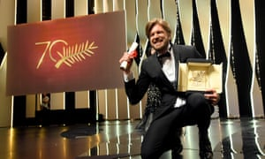 Ruben Oustland with the Palme d'Or for The Square.