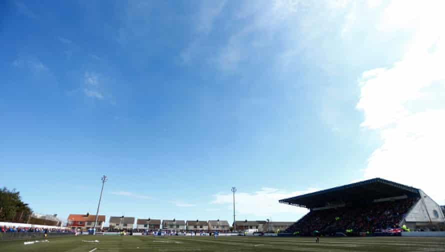 Montrose welcome Rangers to Links Park in 2013.