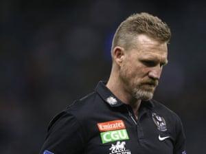 Nathan Buckley, entrenador de las urracas durante la ronda 8 AFL coincidencia entre los canguros de North Melbourne y Collingwood Magpies en Marvel Stadium, Melbourne.