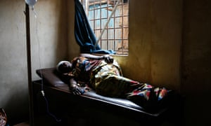 A pregnant woman suffers complications in Freetown's Kroo Bay clinic