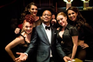 Cuba Gooding Jr with co-stars from the West End revival of Chicago
