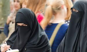 Two women wearing niqabs in Frankfurt.