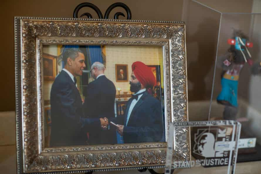 Rana Singh Sodhi, the youngest brother of Balbir Singh Sodhi, shakes President Obama's hand in a photo from 2009.