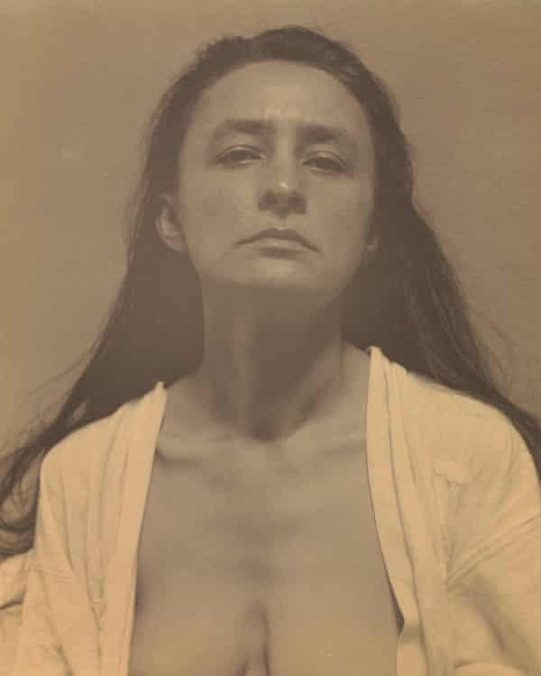 photograph of Georgia O'Keeffe, 1918, by Alfred Stieglitz