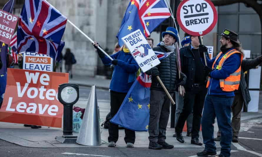Leavers and remainers protest outside the Palace of Westminster.