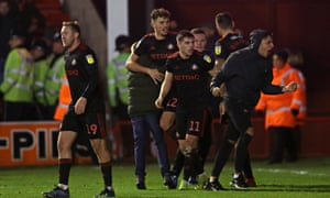 Sunderland celebrate Lynden Gooch's late equaliser.