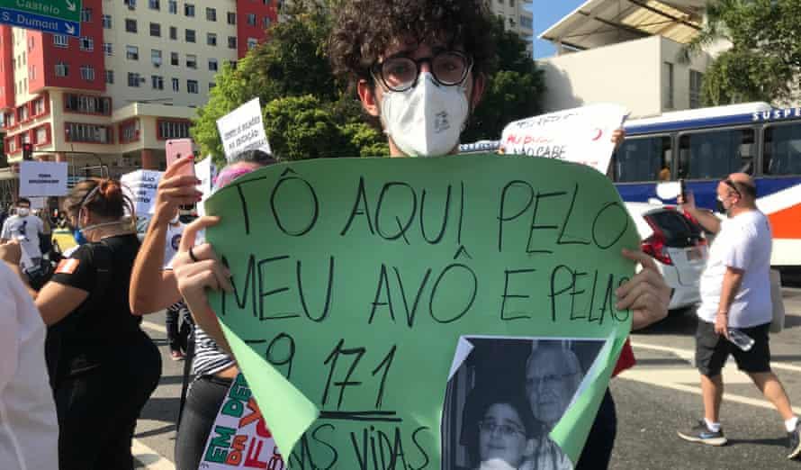 Luiz Dantas, 18, who lost his grandfather