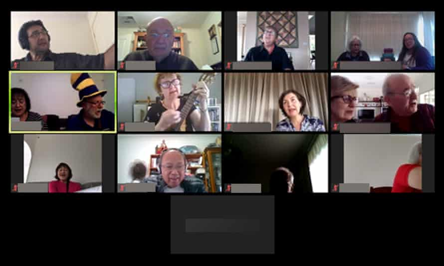 U3A students join a remote ukulele class on Zoom
