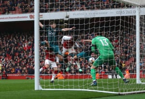 Welbeck scores Arsenal's third.