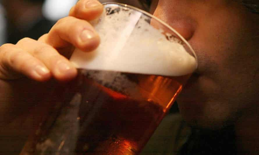 Beer prices study<br>Embargoed to 0001 Thursday September 06 File photo dated 01/12/06 of a man drinking a pint of beer. The price of beer across the UK differs by more than £1 a pint, with Shropshire and Herefordshire having the cheapest drinks, a new study reveals. PRESS ASSOCIATION Photo. Issue date: Thursday September 6, 2018. A pint in those areas costs £3.37, compared with £4.44 in London, the most expensive area for pub-goers. See PA story INDUSTRY Beer. Photo credit should read: Johnny Green/PA Wire