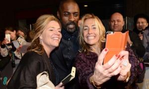 It's selfie time with Idris Elba