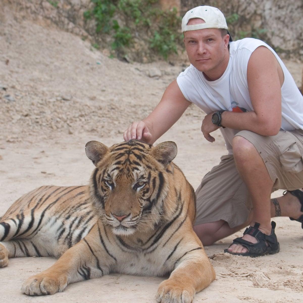 dating safari melbourne)